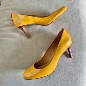 Tory Burch Leah Golden Yellow Mid Heel Pumps